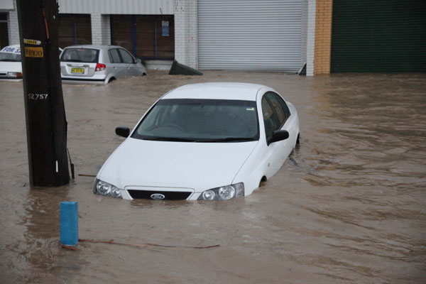flooded-car-in-coffs
