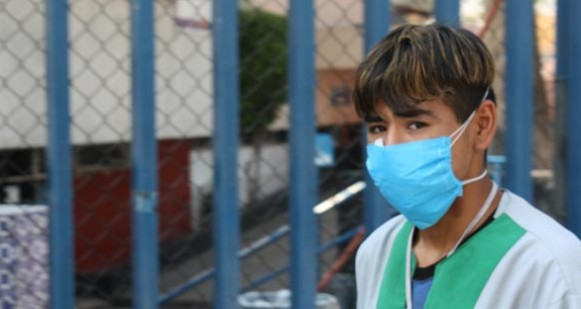 mexico-hospital-worker